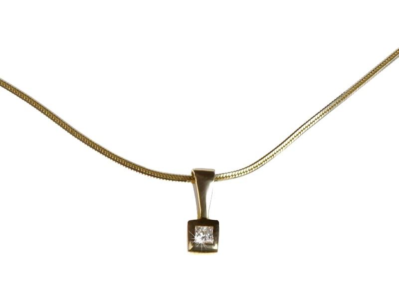 Přívěsek s brilianty ze žlutého zlata 100371