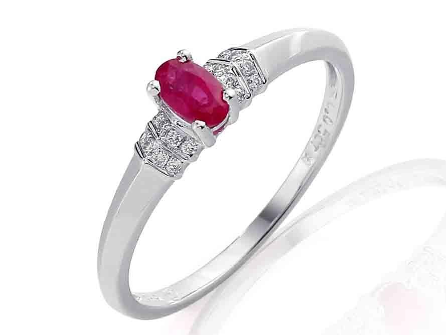 Prsten s diamanty a rubínem 3861137-0-57-94